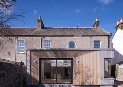 Contemporary rear extension to Listed building (photography: David Barbour)